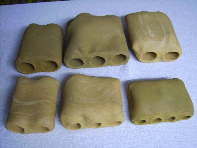 Mehrfachröhre in Gesteinsform